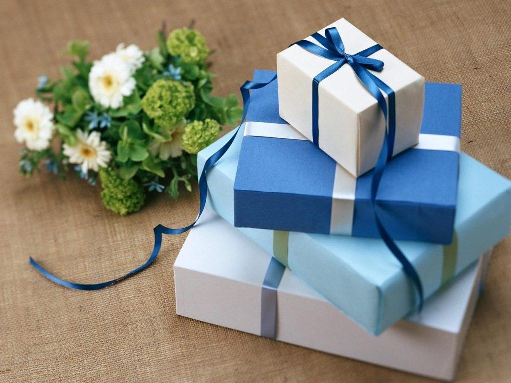 12 Geschenkideen / Technik Geschenkideen