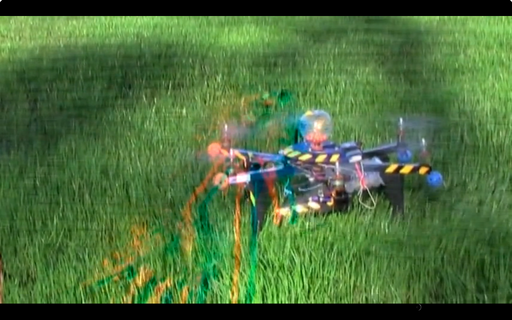 Drohne ballert mit Paintball-Kugeln
