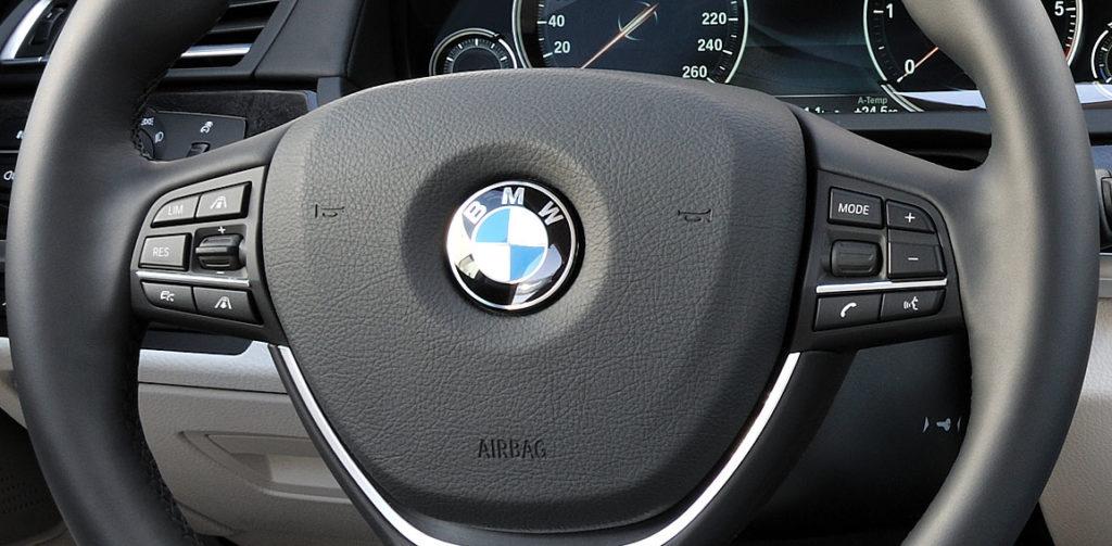 BMW integriert S-Voice und Siri