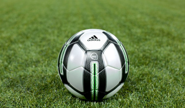 """Adidas: """"Smart Ball"""" für nur 300 Euro"""
