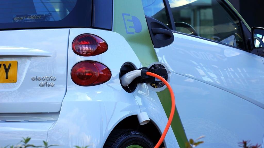 Telekom: Bundesweit einheitlicher Ladetarif für Elektroautos