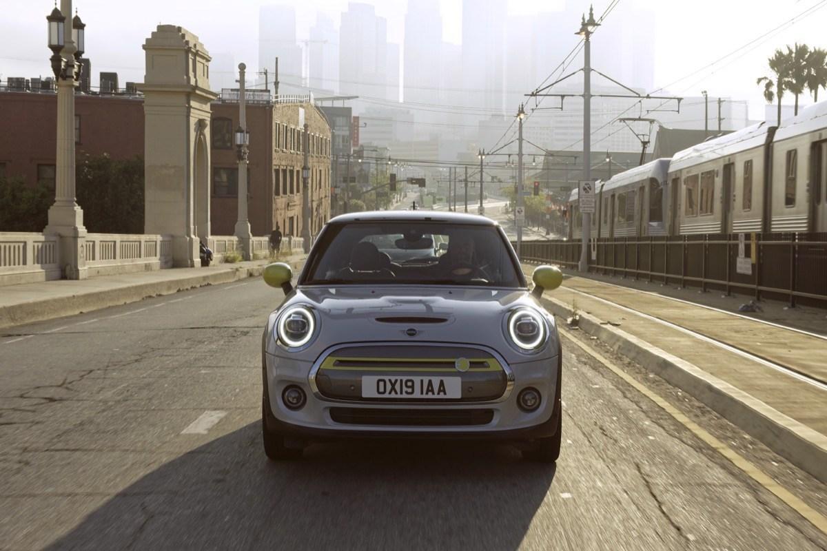 BMW: Mini Cooper SE offiziell vorgestellt